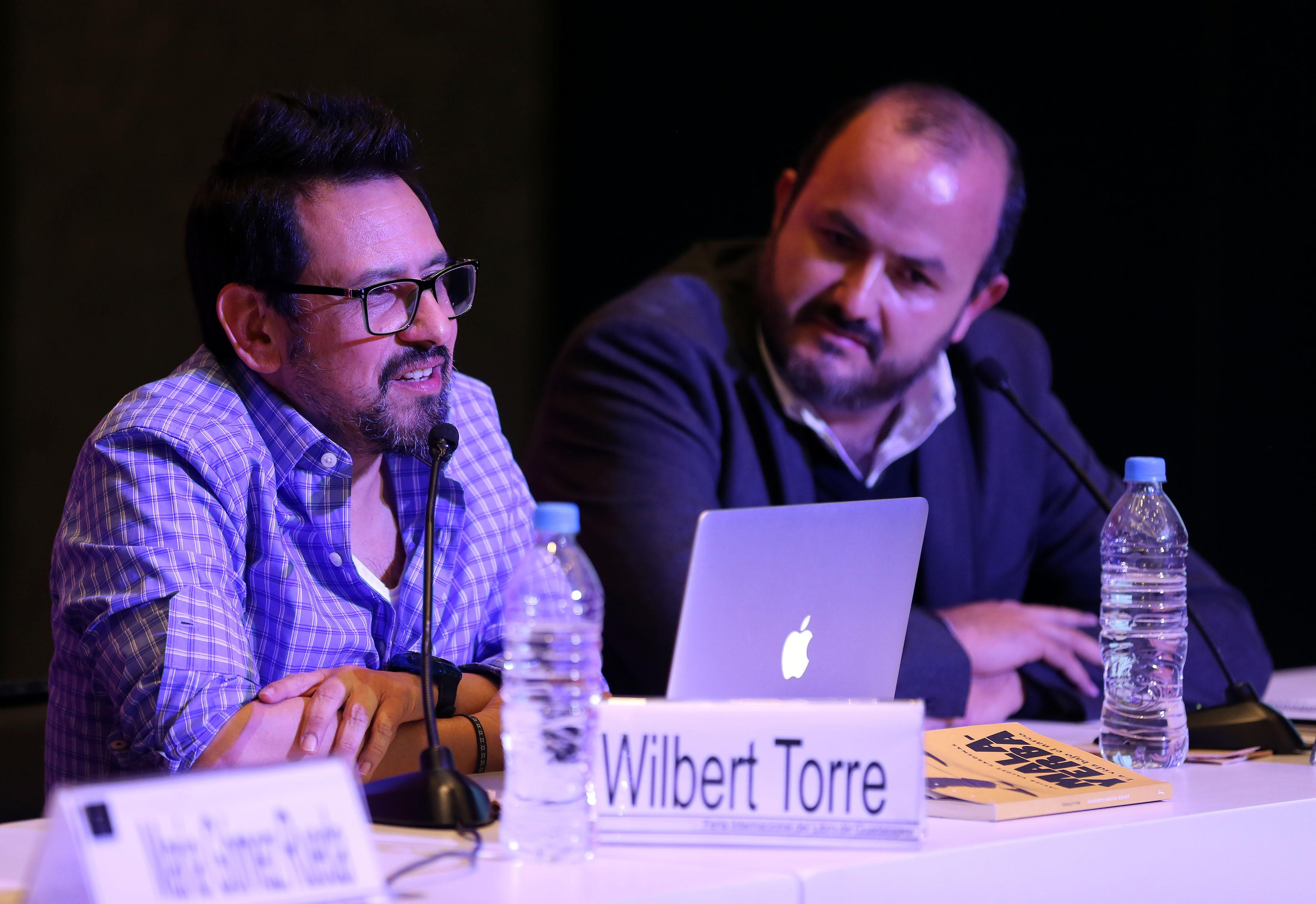 Wilbert Torre Ramírez, amigo del periodista caído, haciendo uso de la palabra, durante Cátedra.