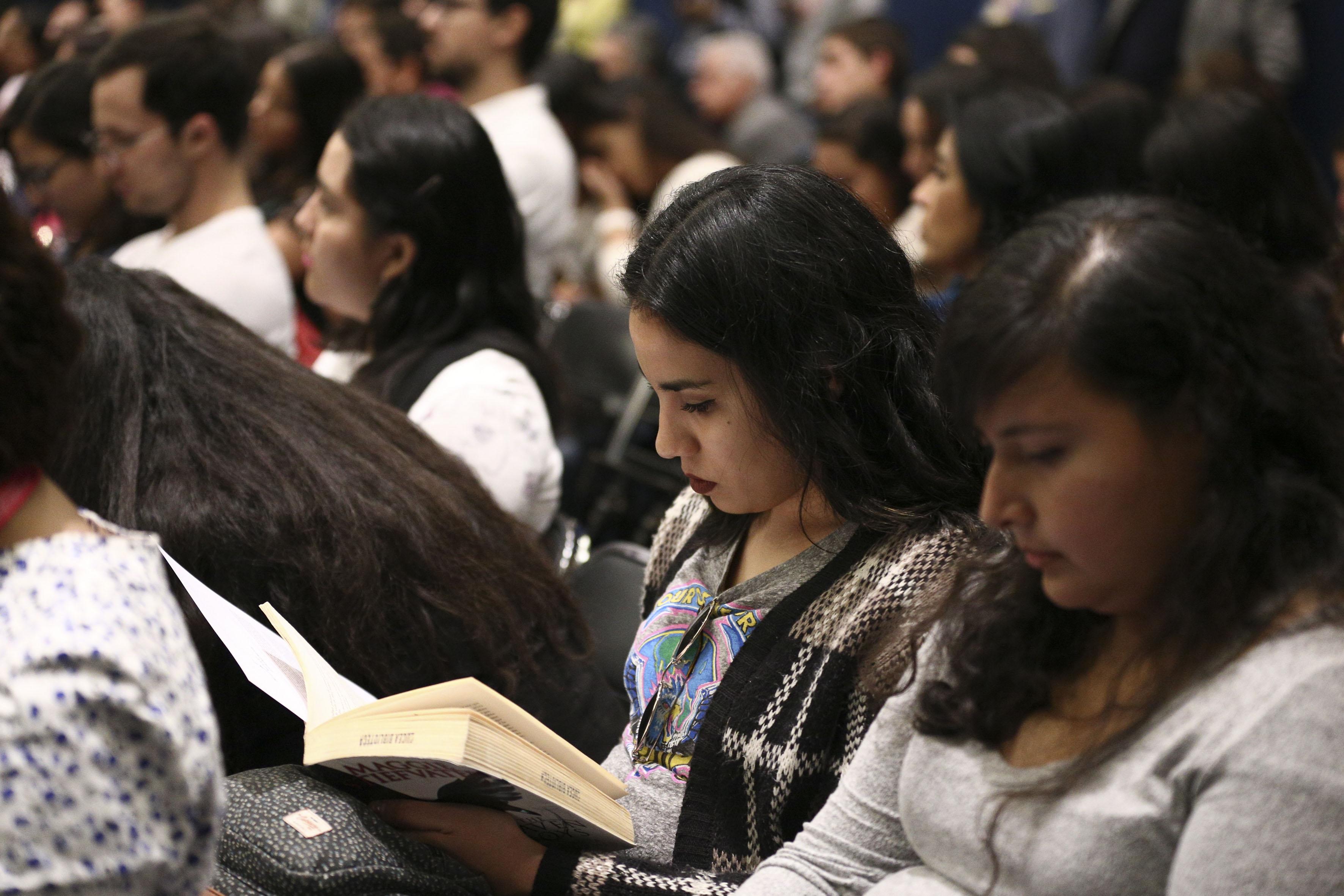 Publico asistente a la presentación de la plataforma México Exponencial en la Feria Internacional del Libro de Guadalajara (FIL 2017)