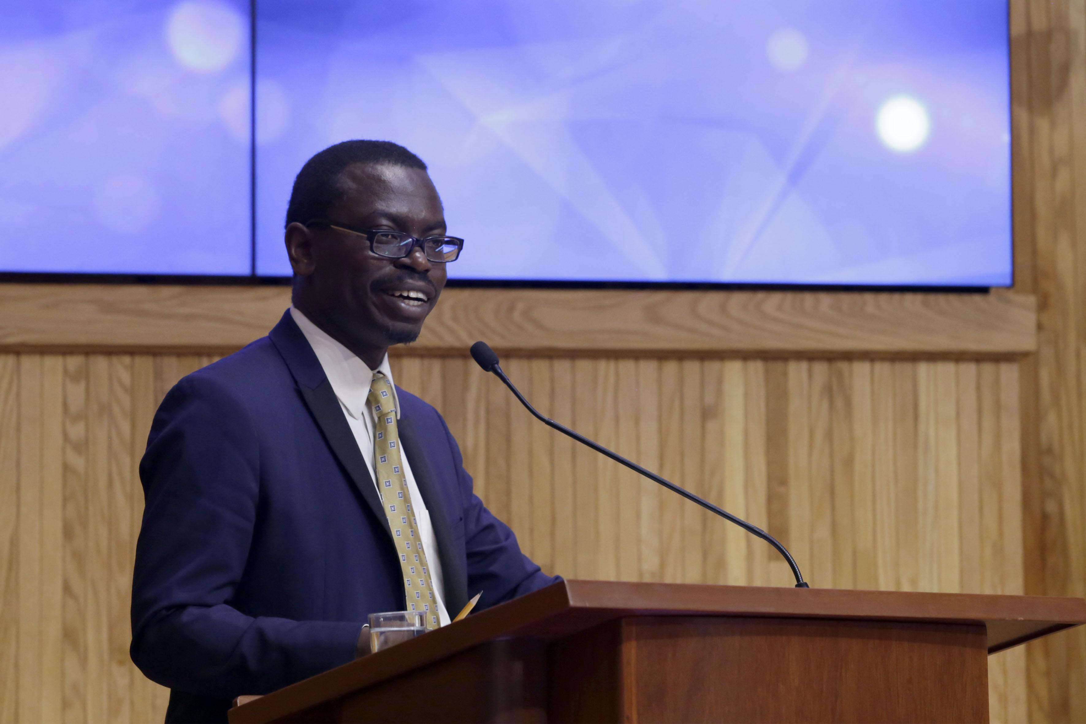 """Mtro. Juma Assiago, Coordinador Global del Programa """"Ciudades más seguras"""", de ONU-Hábitat, haciendo uso de la palabra"""
