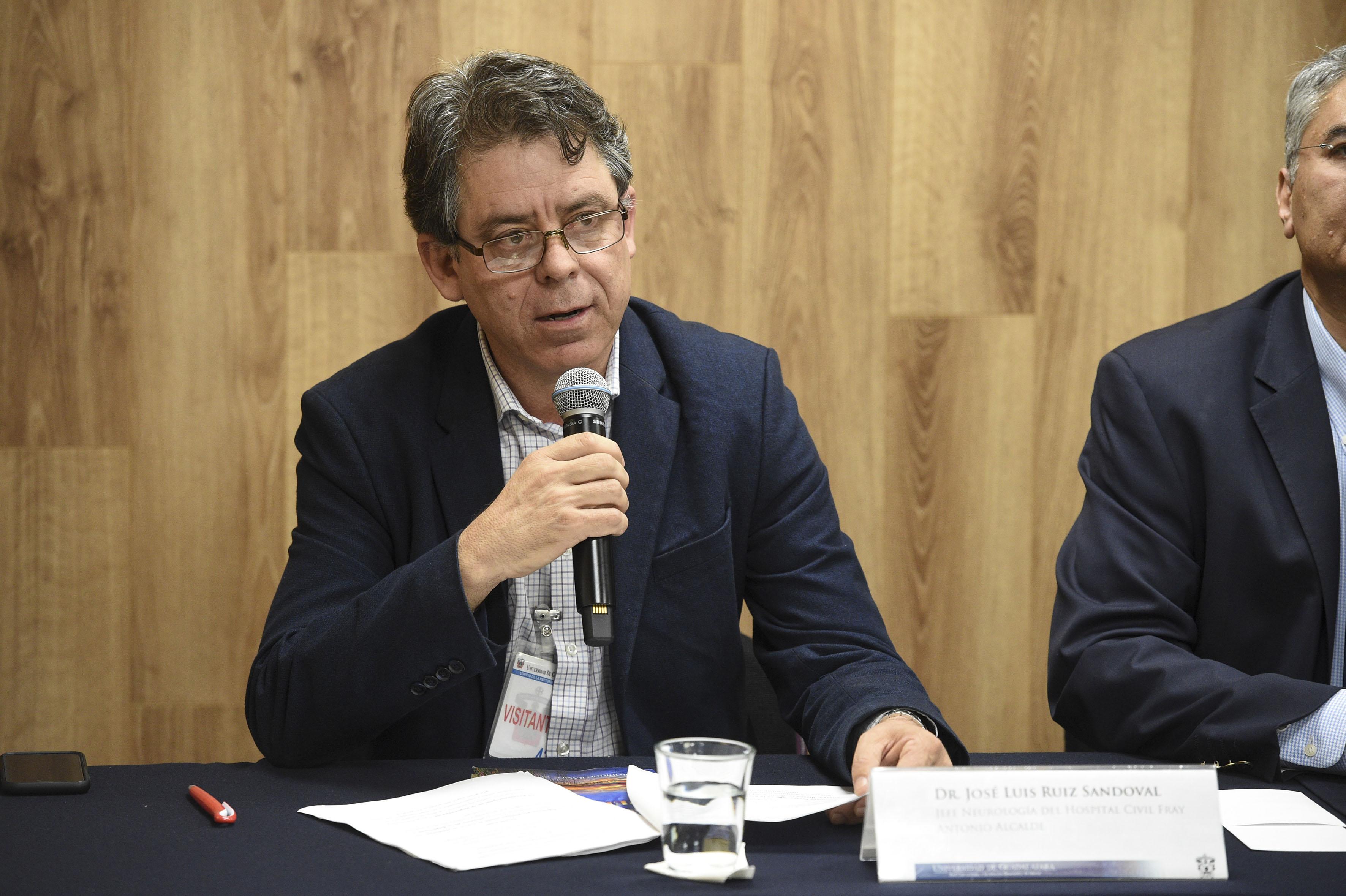 Dr. Jose Luis Ruiz Sandoval haciendo uso de la palabra