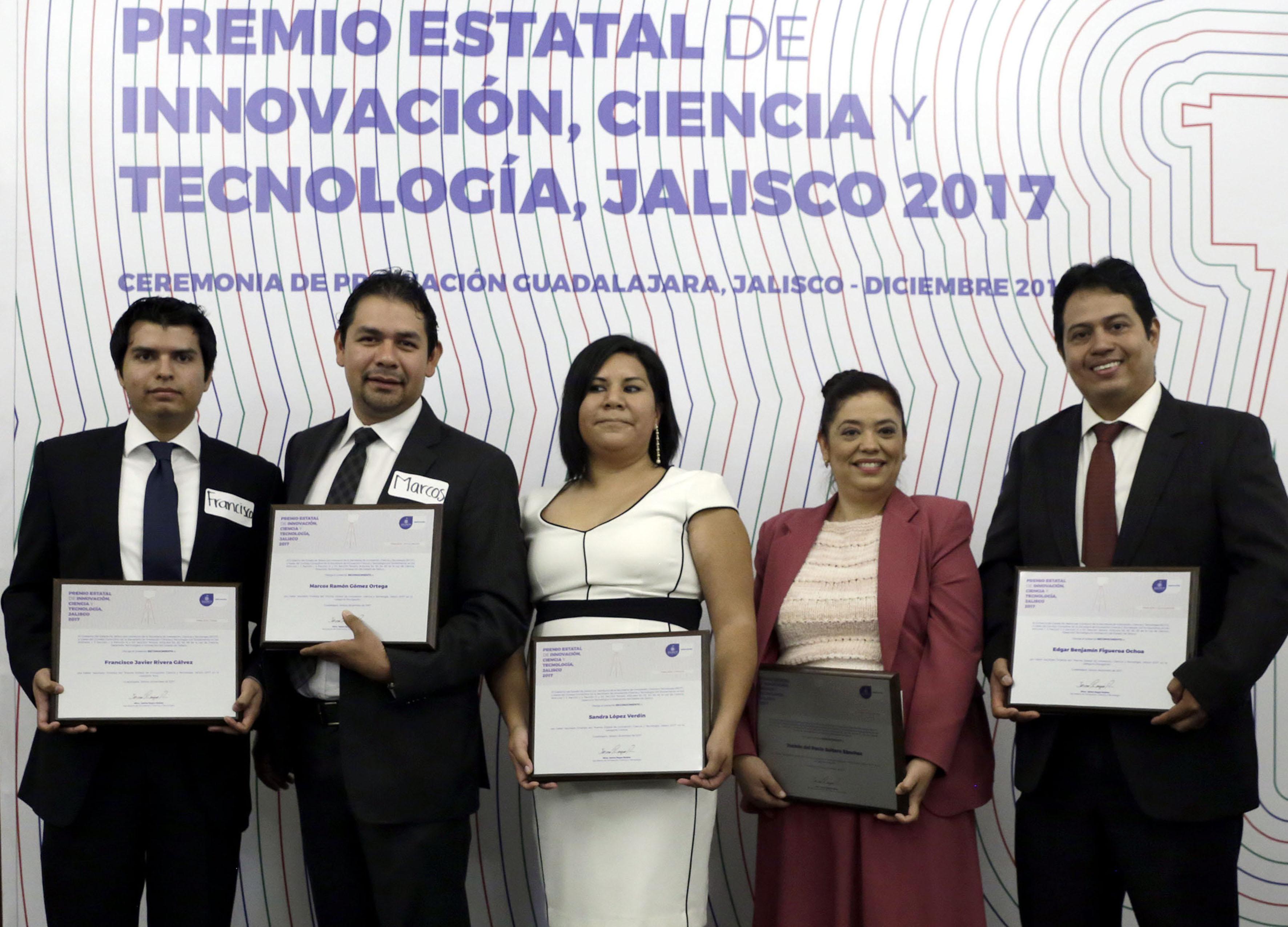 Cinco académicos, de la Universidad de Guadalajara, que destacaron por investigaciones y proyectos que buscan atender problemas sociales en la entidad.