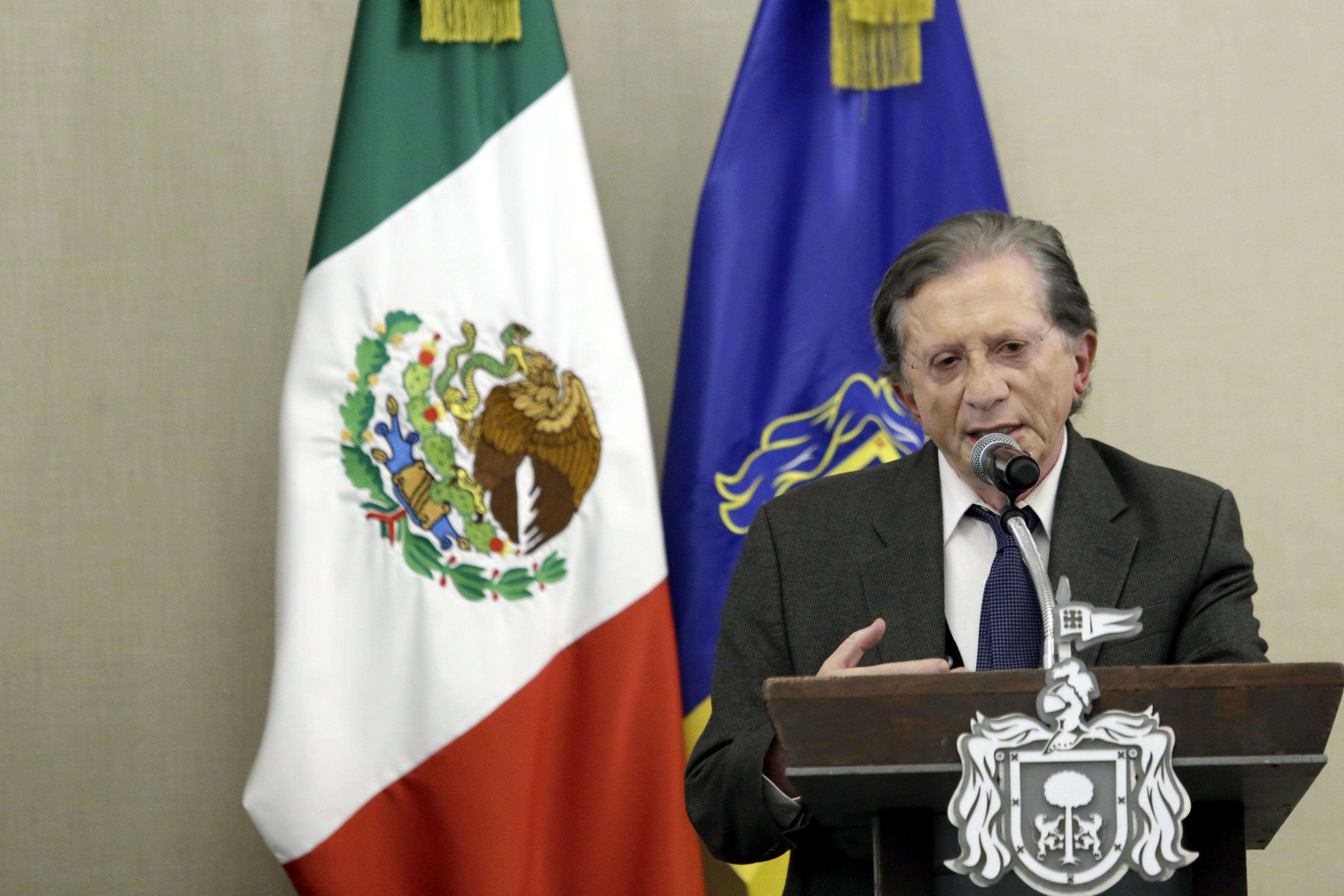 Titular de la Secretaría de Innovación, Ciencia y Tecnología de Jalisco (SICYT), maestro Jaime Reyes Robles, haciendo uso de la palabra