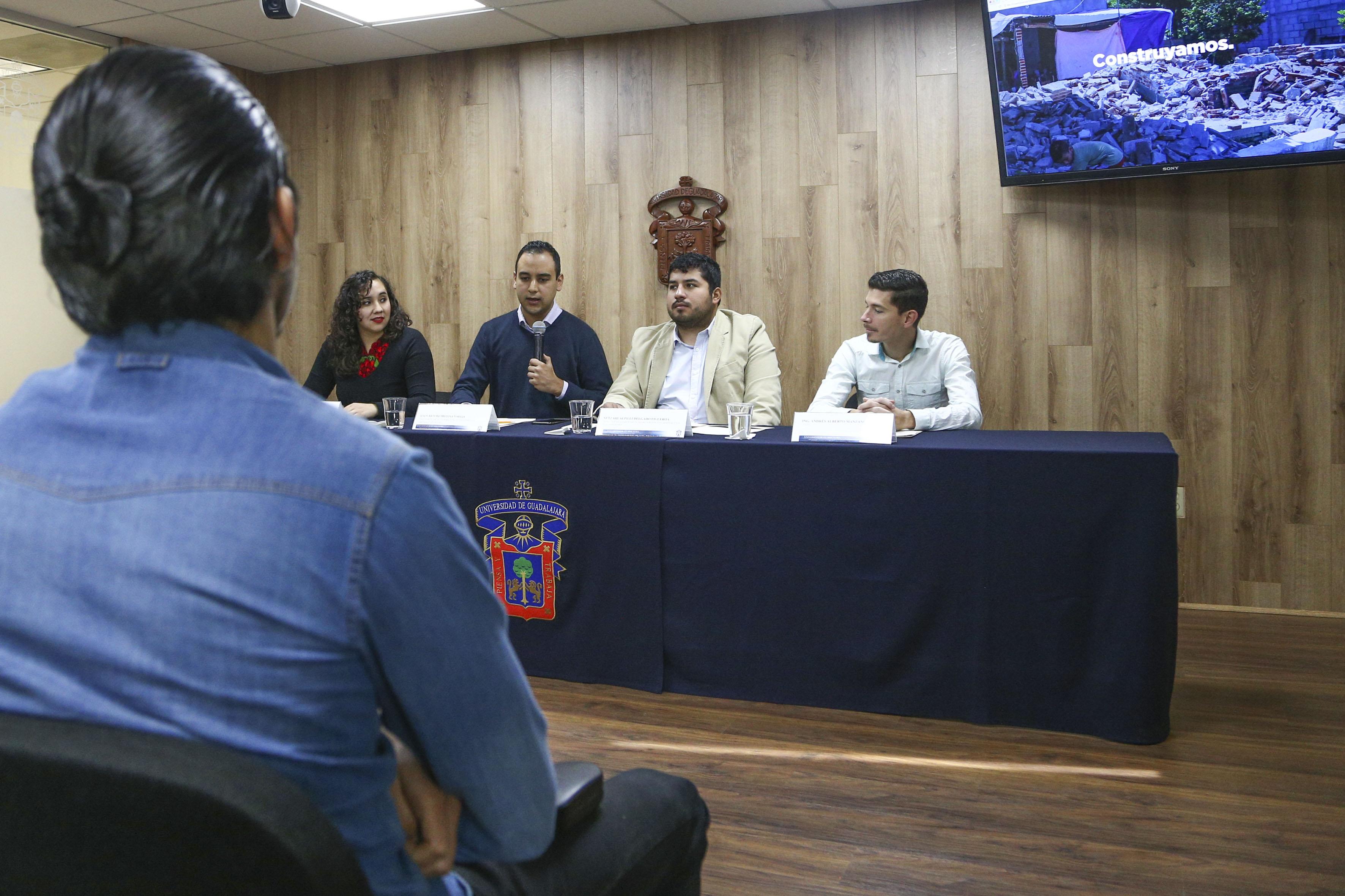 Presidente de la FEU, Jesús Medina Varela, haciendo uso de la palabra