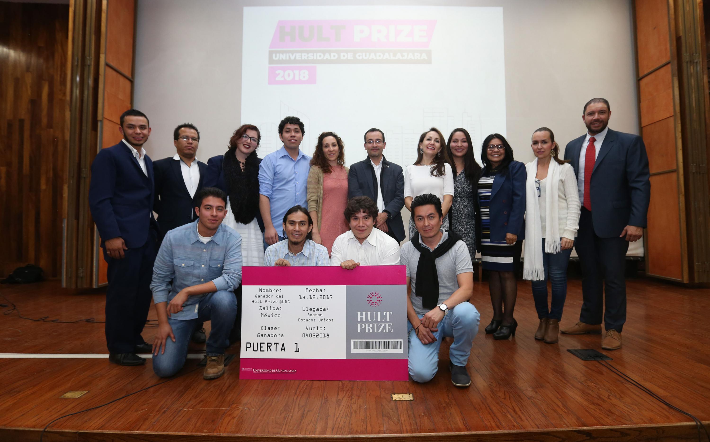 """Equipo """"Aldol"""", conformado por alumnos del Centro Universitario de los Valles (CUValles), con sede en Ameca, representarán a la Universidad de Guadalajara en la final regional del Premio """"Hult"""", considerado el """"Nobel"""" de los estudiantes, a realizarse en marzo de 2018"""