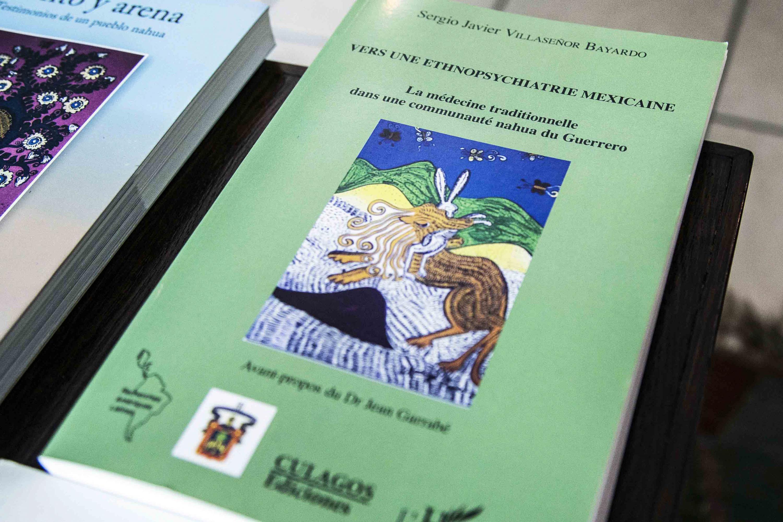Manual para la atención de la salud mental de indígenas migrantes (2017), realizado por investigadores del Centro Universitario de Ciencias de la Salud (CUCS), con el apoyo del Consejo Nacional de Ciencia y Tecnología (Conacyt)