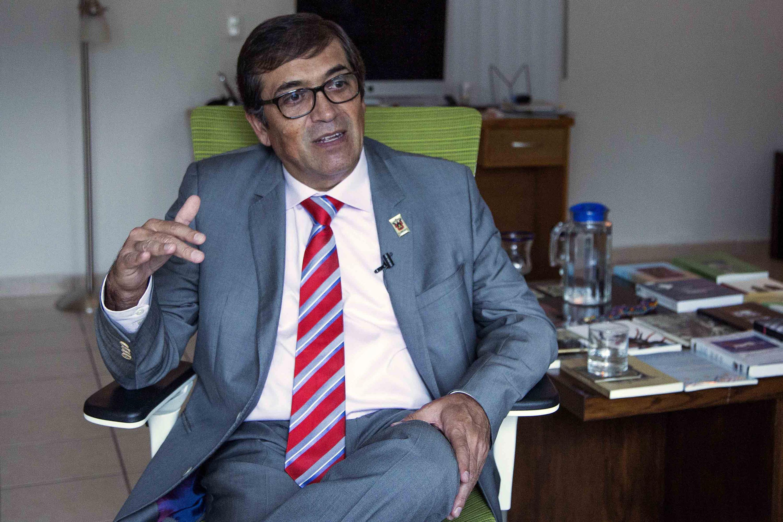 Doctor Sergio Javier Villaseñor Bayardo, profesor investigador del Centro Universitario de Ciencias de la Salud (CUCS) y coautor del manual