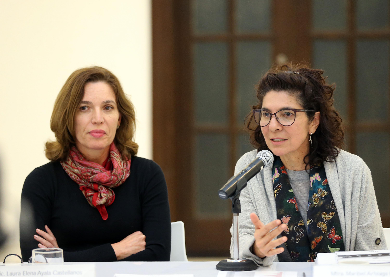 Maestra Maribel Arteaga Garibay, directora del MUSA, participando en rueda de prensa.