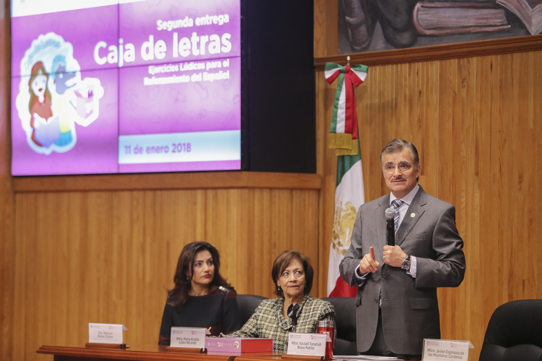 Rector general de la Universidad de Guadalajara, haciendo uso de la voz durante la ceremonia.