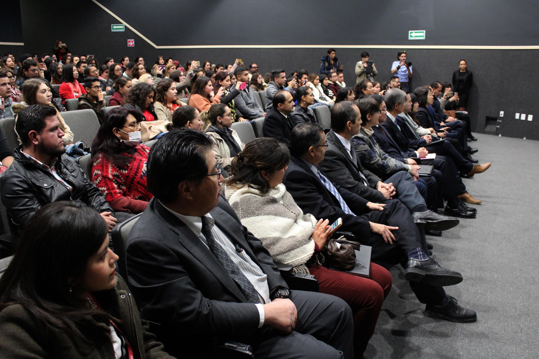 Asistentes a la ceremonia de bienvenida en el auditorio de CULAGOS