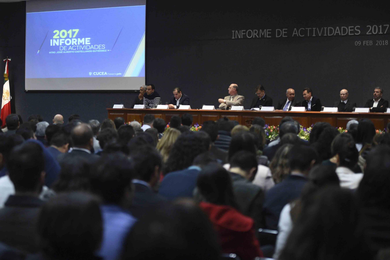 Autoridades y miembros representantes de la Red Universitaria, presentes en el informe de actividades.