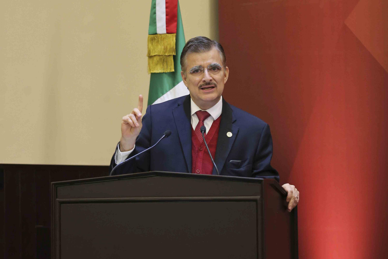 Rector General de la Universidad de Guadalajara, maestro Itzcóatl Tonatiuh Bravo Padilla