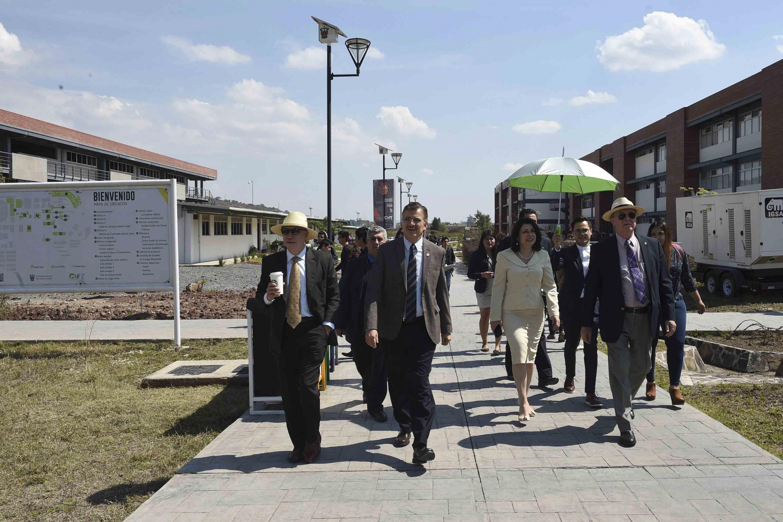 Se inauguraron las nuevas islas de Arte y el Ágora, que requirieron una inversión de 2 millones de pesos