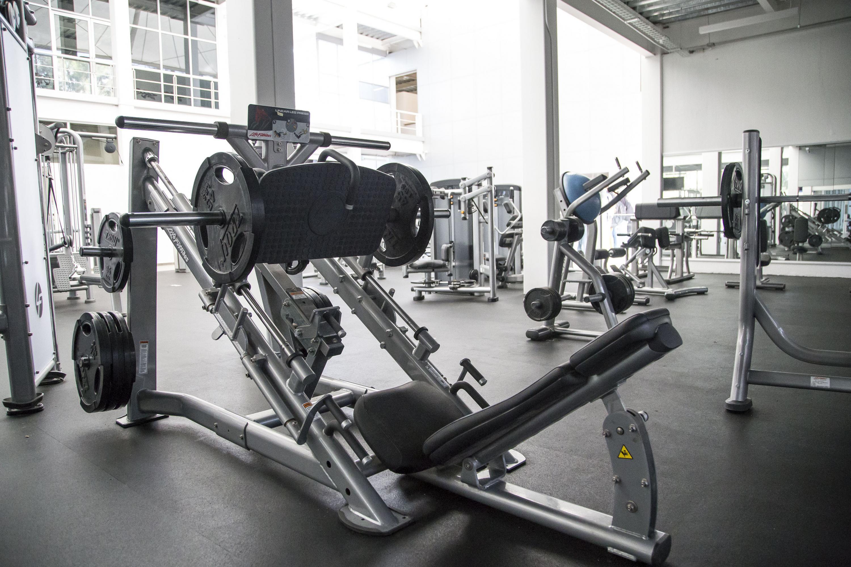 Maquina de pesas para pierna
