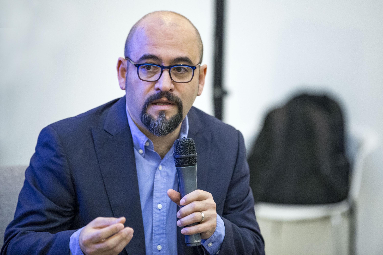 Licenciado Ángel Igor Lozada Rivera Melo, Secretario de Vinculación y Difusión Cultural de la Universidad de Guadalajara, haciendo uso de la palabra.