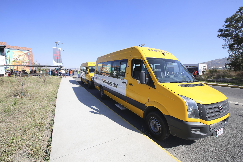 Nuevas univdades de transporte escolar que facilitarán la movilidad de estudiantes del Salto.