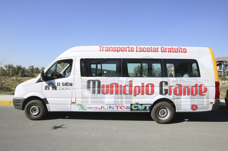 Nueva univdad de transporte escolar que facilitará la movilidad de estudiantes del Salto