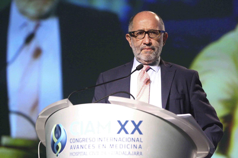 Hablo desde el podium sobre los huecos jurídicos de la Ley General de Salud y la norma oficial mexicana