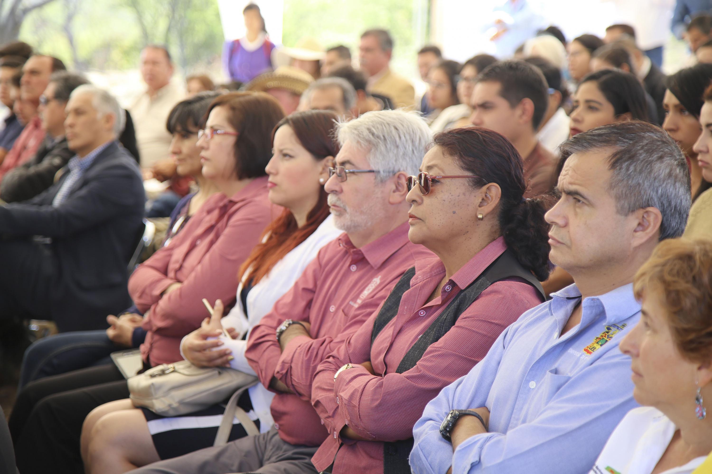 Comunidad universitaria y de la región, como público asistente al evento.
