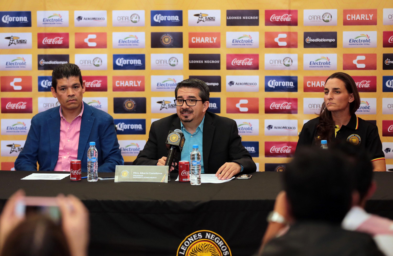 Presidente del patronato, Mtro. Alberto Castellanos Gutiérrez haciendo uso de la palabra.