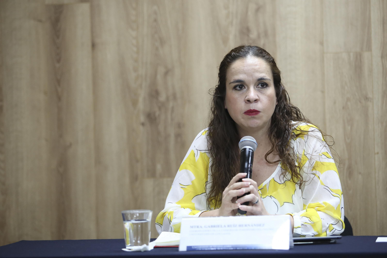 Maestra Gabriela Ruiz Hernández, coordinadora de la carrera en Periodismo del Centro Universitario de los Lagos.