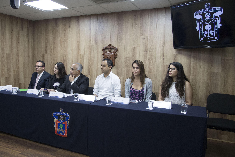 compañado de liderazgos de la organización, Medina Varela recordó que en Jalisco más de 74 por ciento de las mujeres de 15 años o más  han sufrido algún tipo de violencia
