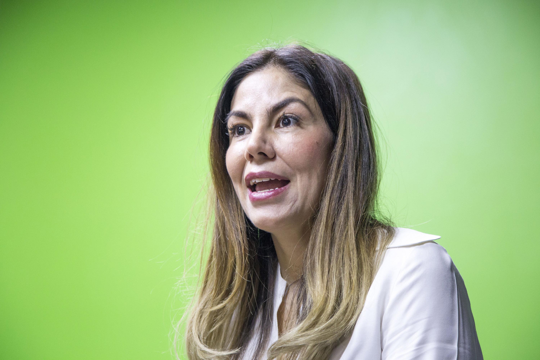 Doctora Abril Alcalá Padilla, Vicepresidenta Ejecutiva Adjunta de la Fundación Universidad de Guadalajara en Estados Unidos, haciendo uso de la palabra.