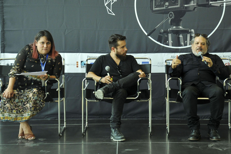 Especialista en la cinematografía, participando en la rueda de prensa para dar a conocer el segundo Foro Latinoamericano de Cinematógrafos.