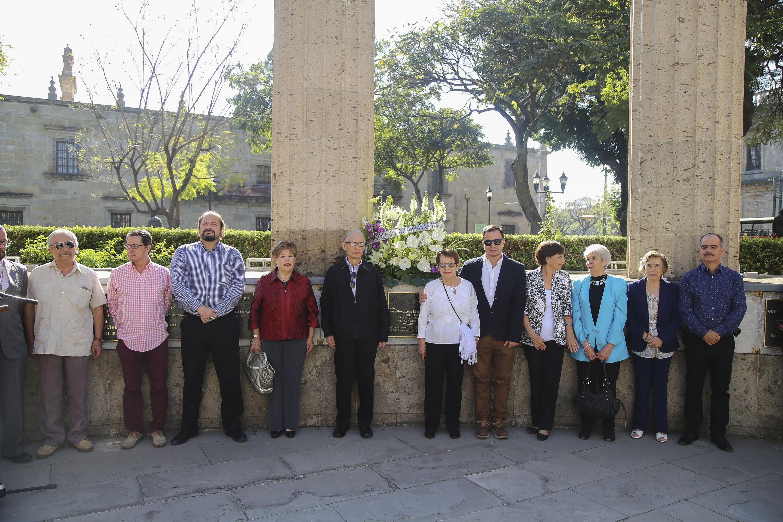 Familiares del ex rector Jose Guadalupe Zuno estuvieron presentes en el homenaje