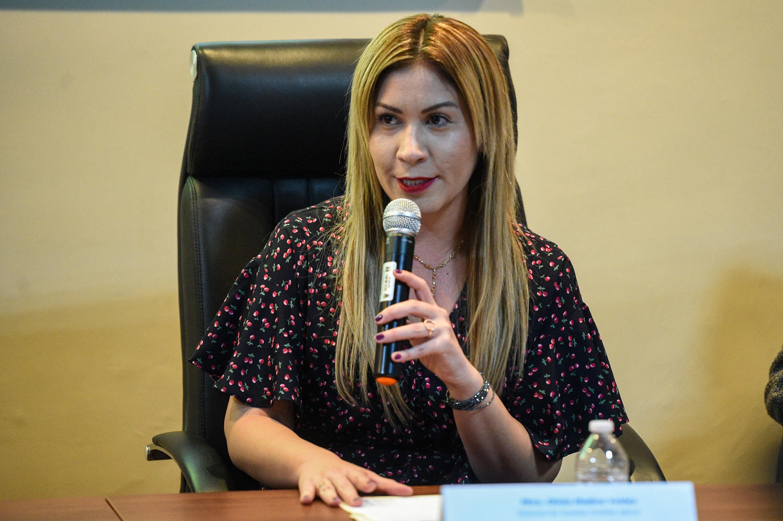 La Directora de Grandes Eventos Jalisco, maestra Ofelia Medina Valdez dirigiendo unas palabras al público.