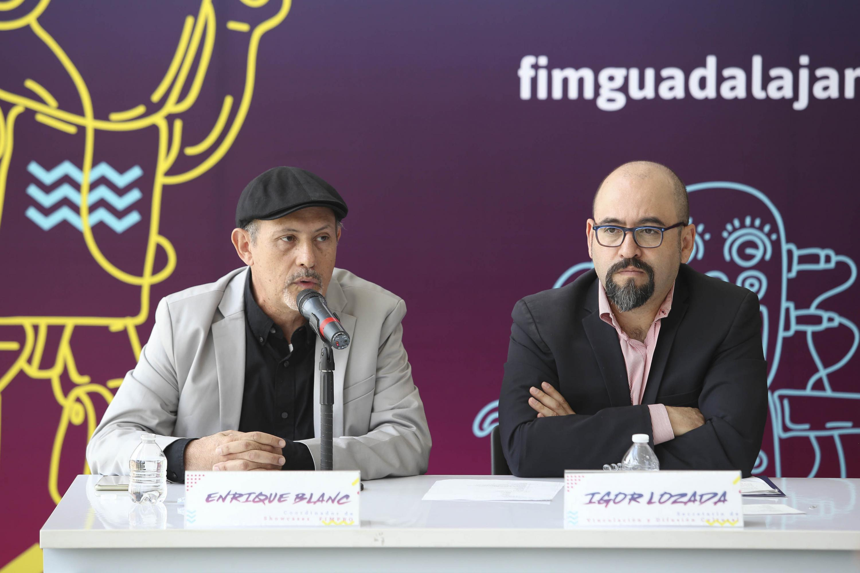 Coordinador de Showcases de la FIMPRO, Enrique Blanc Rojas; haciendo uso de la palabra durante rueda de prensa.