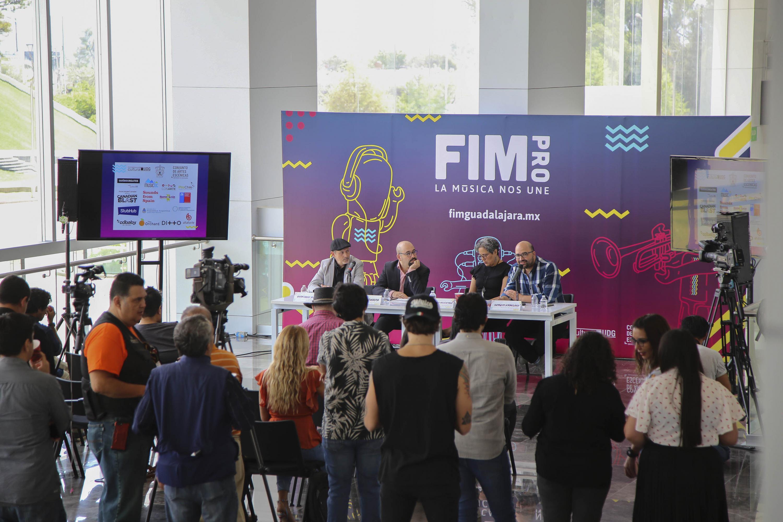 Rueda de prensa en la que se dió a conocer los talleres, conferencias y conciertos que se realizarán del 24 al 26 de mayo en el Conjunto de Artes Escénicas, C3 Stage y Vía Libertad; dentro del marco de la FIMPRO.