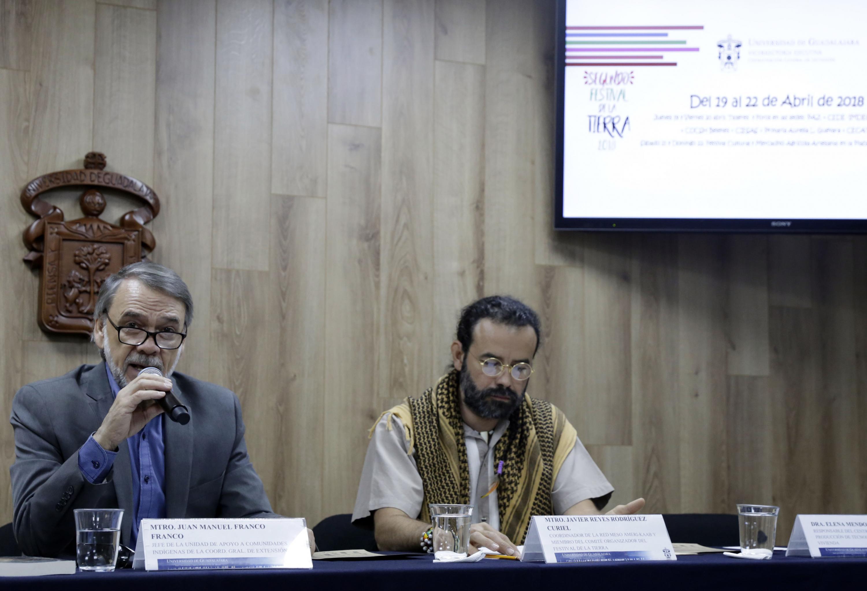 Jefe de la UACI, maestro Juan Manuel Franco Franco, haciendo uso de la palabra durante rueda de prensa
