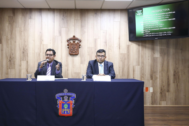 Rueda de prensa para analizar el panorama económico de México previo a las elecciones.