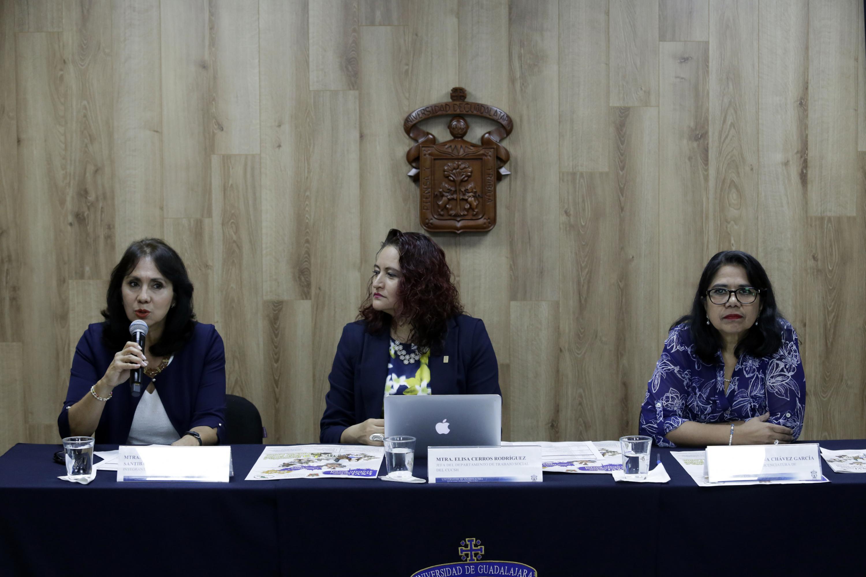 la maestra Patricia Verónica Pimienta Santibáñez es  integrante del Comité organizador