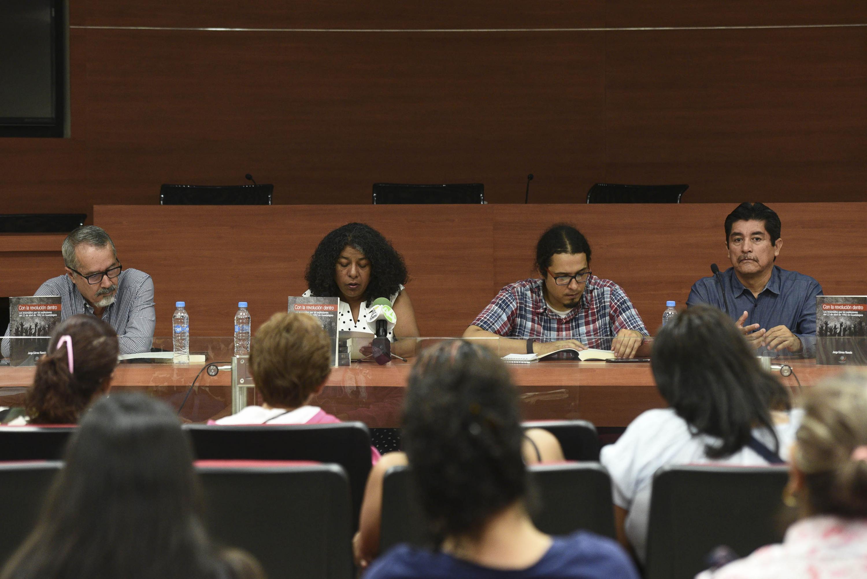 Los cuatro presentadores del libro en el auditorio de CUCSH