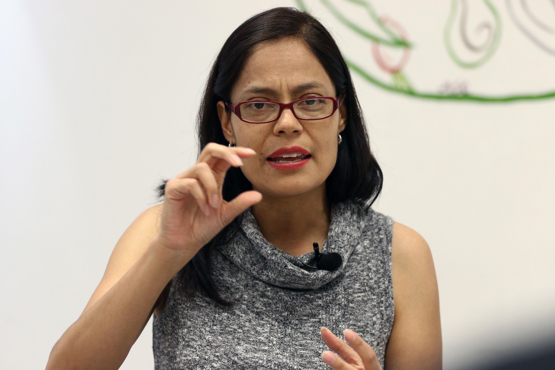 Maestra Martha Betzaida Altamirano Martínez, Coordinadora de la Licenciatura en Nutrición del Centro Universitario de Ciencias de la Salud (CUCS), haciendo uso de la voz.