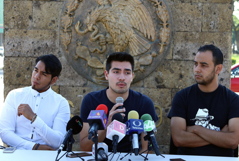 Representante del Consejo Político de la Universidad del Valle de Atemajac, Daniel Hurtado Yépiz, haciendo uso de la palabra.