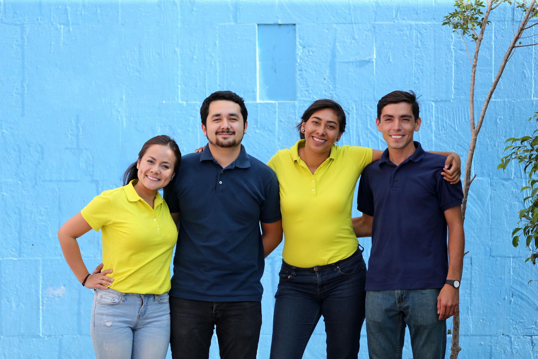 Equipo de estudiantes y egresados del Centro Universitario de Tonalá (CUTonalá), ganadores del primer lugar en el Hackatón, organizado por la iniciativa Re-Diseña Jalisco.