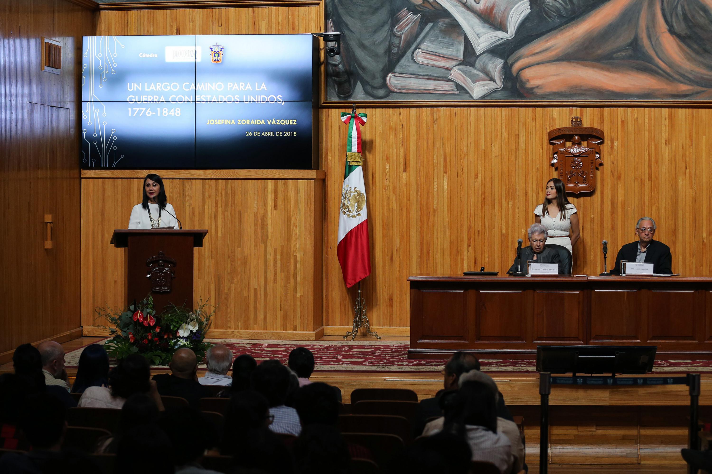 Conferencia -Un largo camino para la guerra con Estados Unidos 1776-1848-, en el marco de las actividades de la Cátedra Latinoamericana -Julio Cortázar- de la Universidad de Guadalajara.