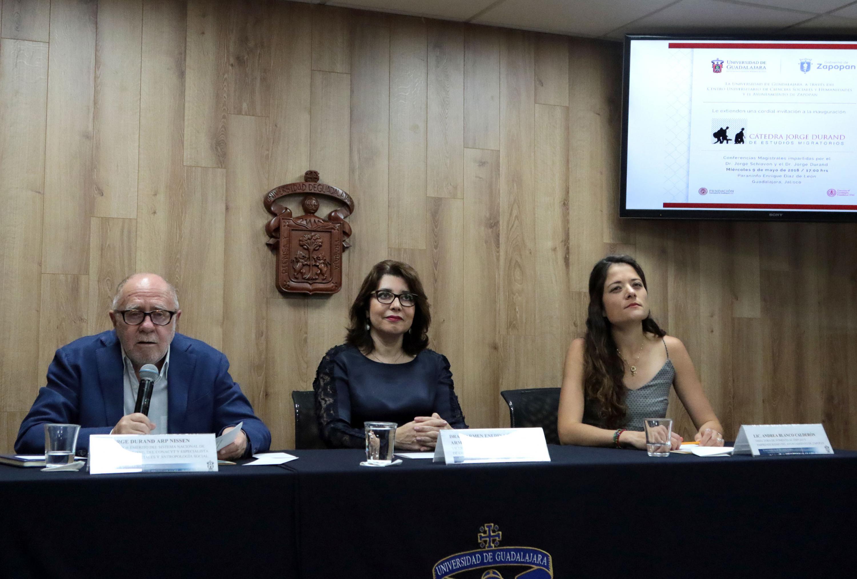 Conferencia de prensa para presentar los pormenores de la Cátedra de Estudios Migratorios -Jorge Durand-.