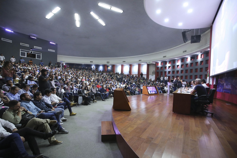 Foro Universitario Nos van a escuchar, del Centro Universitario de Ciencias de la Salud, con los candidatos a la Alcaldía de Guadalajara.