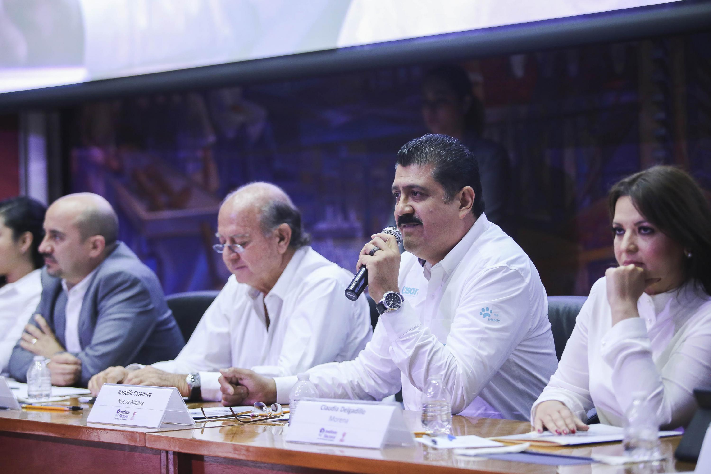 Candidato Rodolfo Casanova, del Partido Nueva Alianza (Panal), haciendo uso de la palabra.