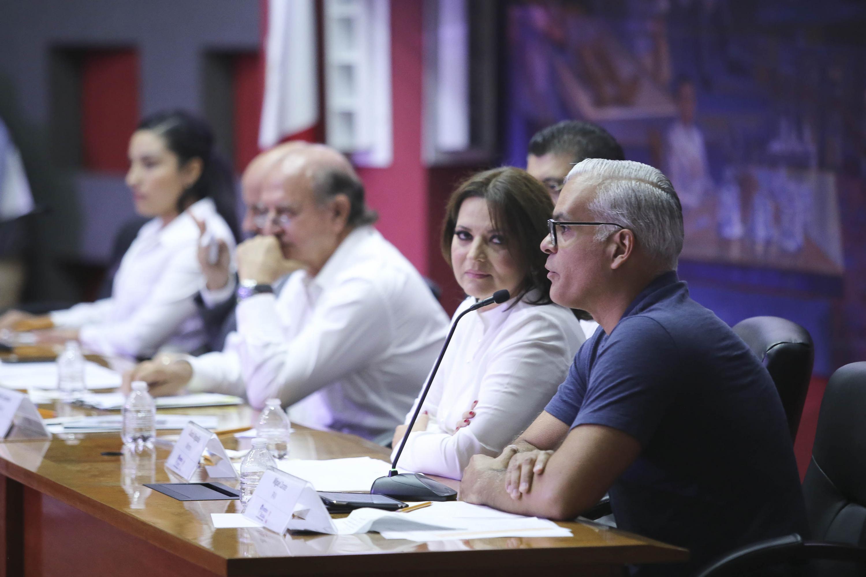 Candidato Miguel Zárate, del Partido Acción Nacional (PAN) haciendo uso de la palabra.