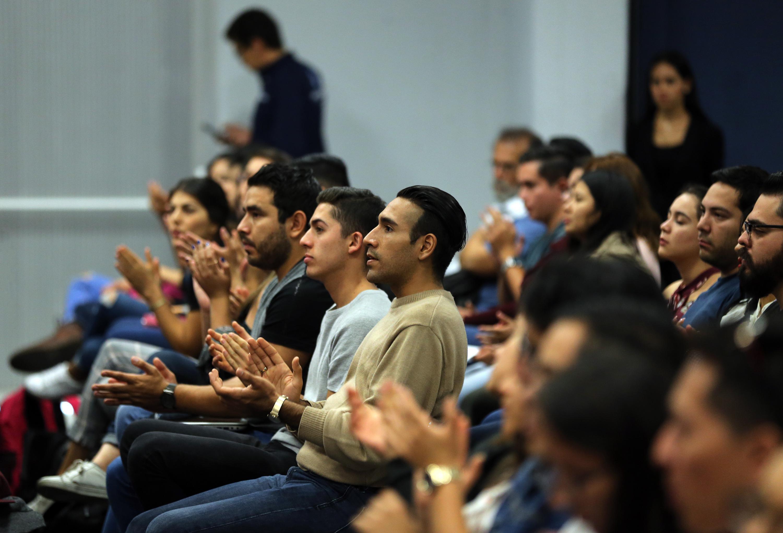 Universitarios en el Dialogo con Miguel Ángel Martínez, candidato del PAN al Gobierno de Jalisco.