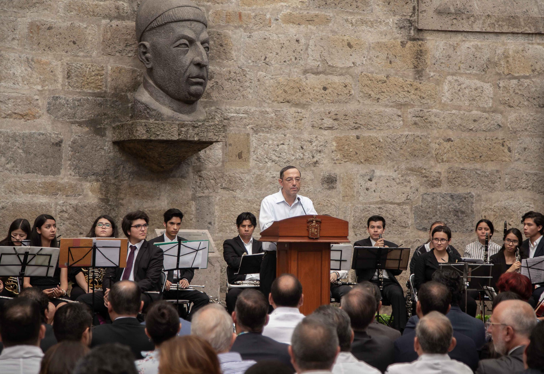 Hablando en el evento, el presbítero Tomás de Híjar Ornelas, cronista de la Arquidiócesis de Guadalajara