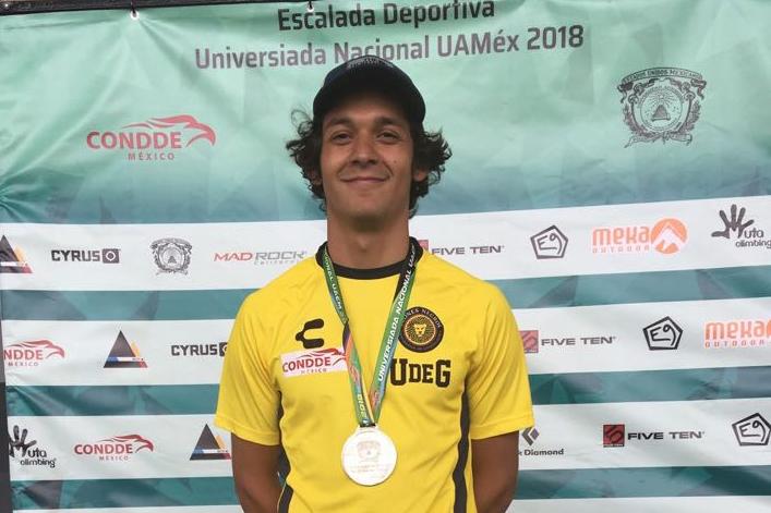 Diego Ernesto Vázquez Jiménez, estudiante del Centro Universitario de Ciencias Sociales y Humanidades (CUCSH), obtuvo medalla de plata en Escalada Deportiva, en la modalidad Boulder.