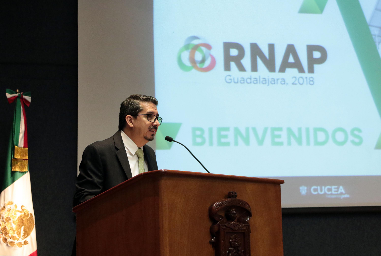 Rector del CUCEA, maestro José Alberto Castellanos Gutiérrez, haciendo uso de la palabra durante la Reunión Nacional de Administración Pública (RNAP)
