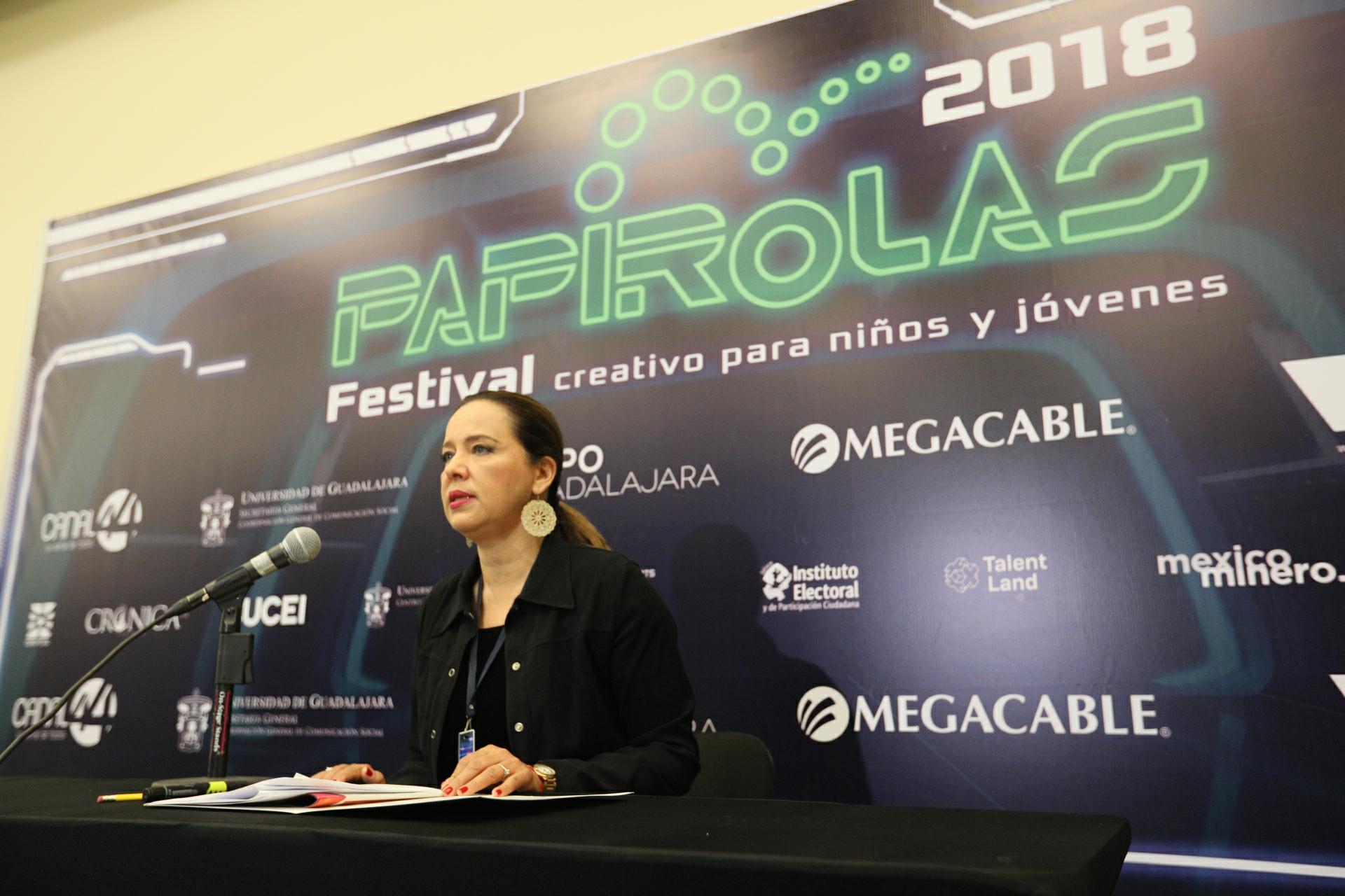 Directora de Papirolas, Marcela García Bátiz, durante la rueda de prensa para dar a conocer los resultados obtenidos obtenidos de una serie de consultas realizadas a los visitantes.