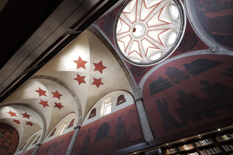 """Boveda con estrellas y cupula  del mural de la Biblioteca Iberoamericana """"Octavio Paz"""""""