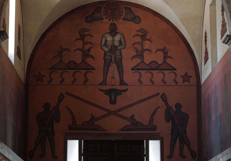 "Tres agricultores detalle del mural de la Biblioteca Iberoamericana ""Octavio Paz"""